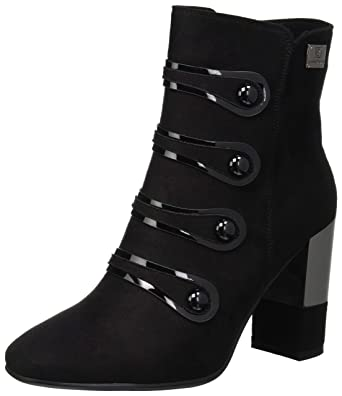 a91ff8113c2772 Amazon.com  Laura Biagiotti Women s Ankle Boots
