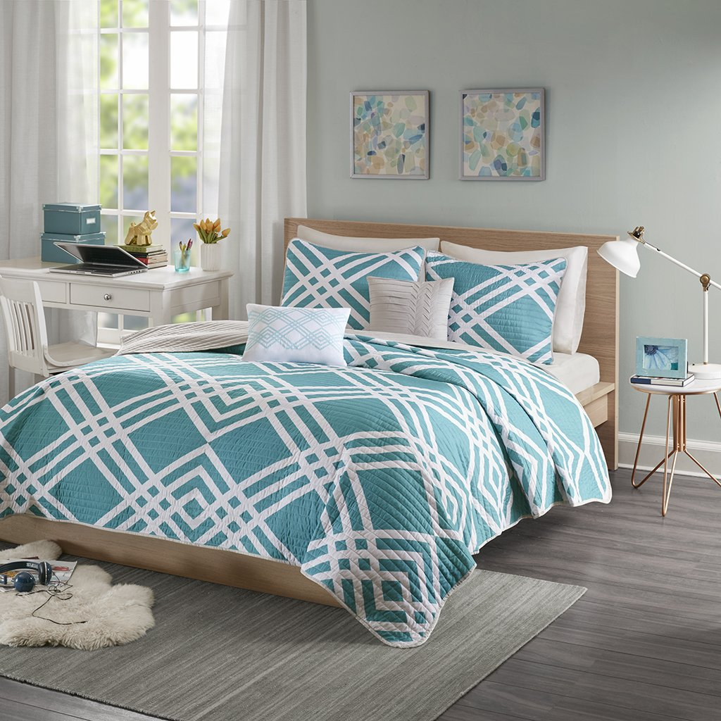 JLA Home INC Intelligent Design Hailey Twin/Twin Xl Quilt Bedding Set - Teal, Blue, Geometric – 4 Piece Teen Girl Boy Bedding Quilt Coverlets – Ultra Soft Microfiber Bed Quilts Quilted Coverlet