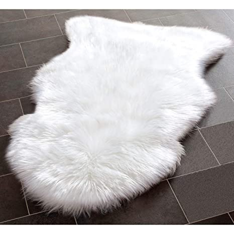 YJ.GWL Super Soft White Fluffy Faux Fur Sheepskin Rug for Bedroom Sofa Seat Cover Living Room Shaggy Bedside Area Rugs, Irregular 2 x 3