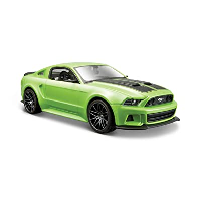 Maisto 2014 Ford Mustang Street Racer Diecast Vehicle (1:24 Scale), Metallic Light Green: Toys & Games
