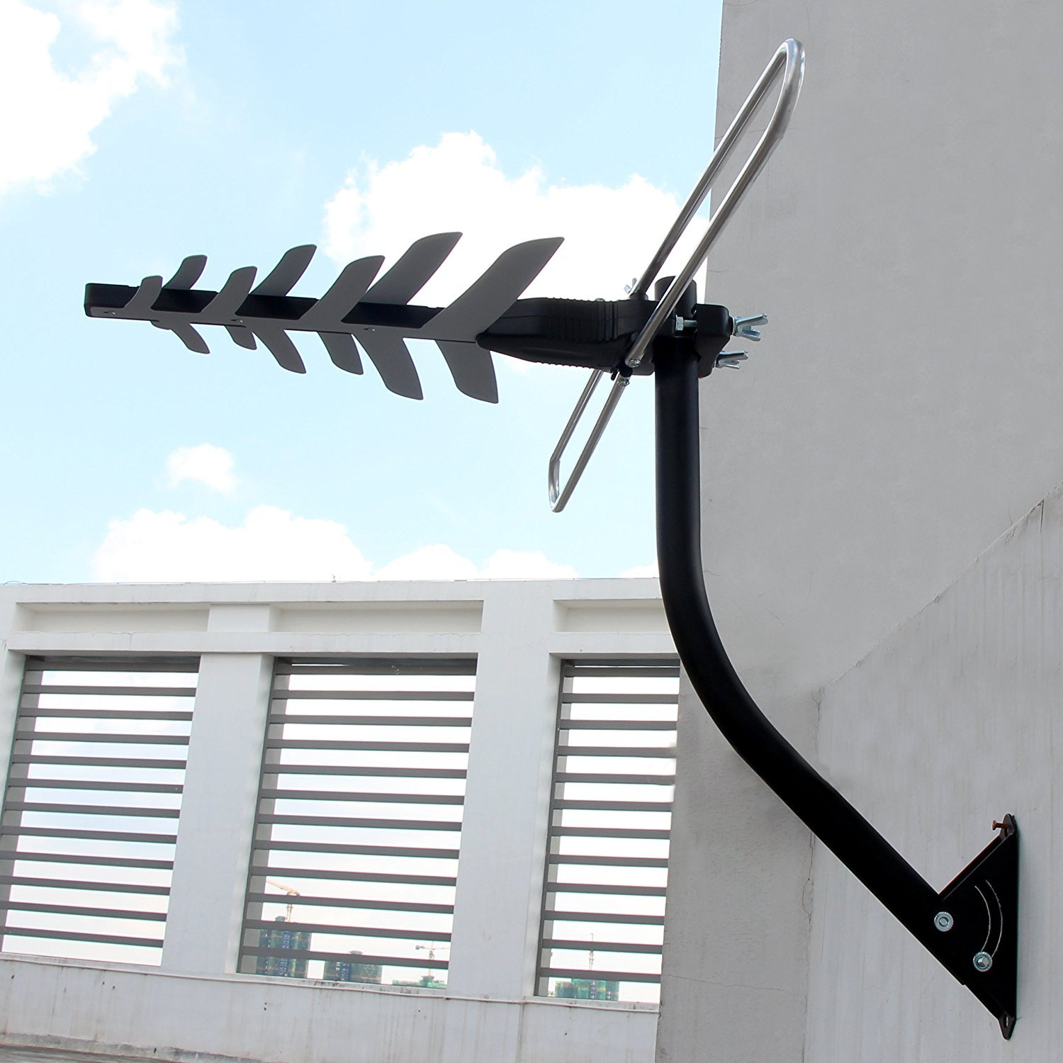 1byone 85-Mile Digital Amplified Outdoor HDTV Antenna