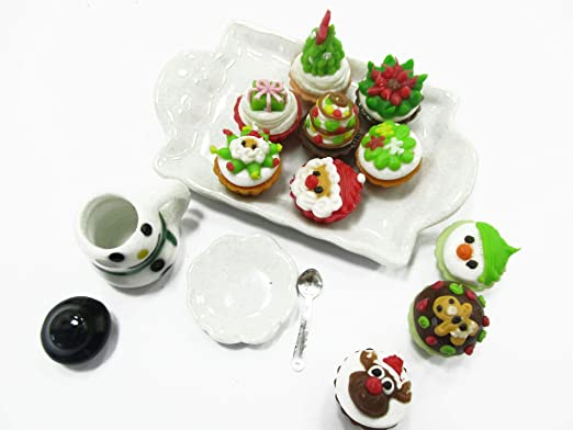 Dollhouse Miniature Food Christmas Cup Cake Snowman Seasonal Tiny Food 15485