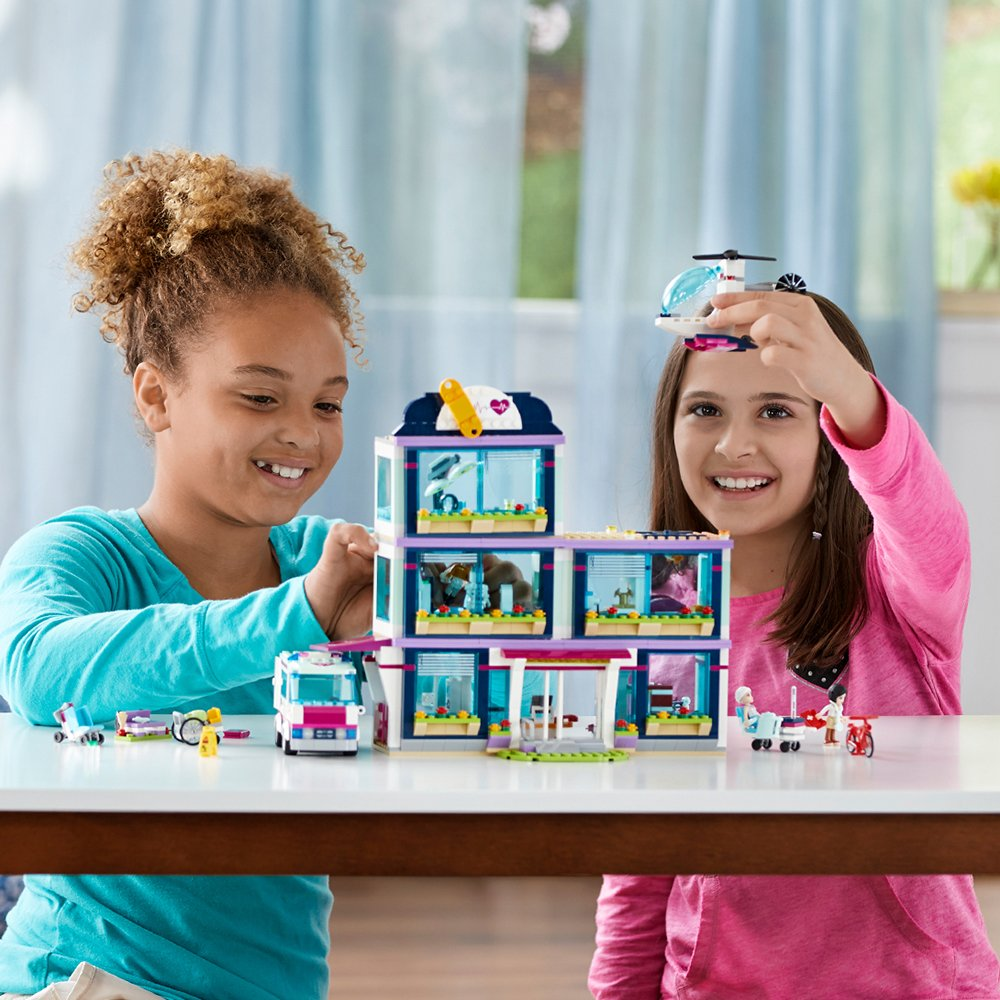 LEGO Friends Heartlake Hospital 41318 Building Kit (871 Piece) by LEGO (Image #4)