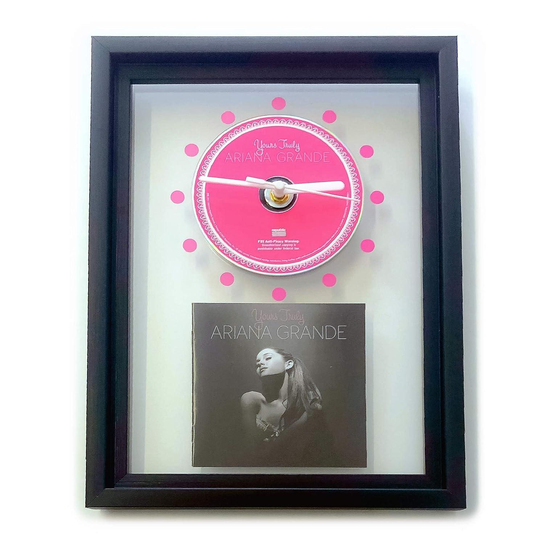 GERAHMTE CD-WANDUHR//Exklusives Design Yours Truly ARIANA GRANDE