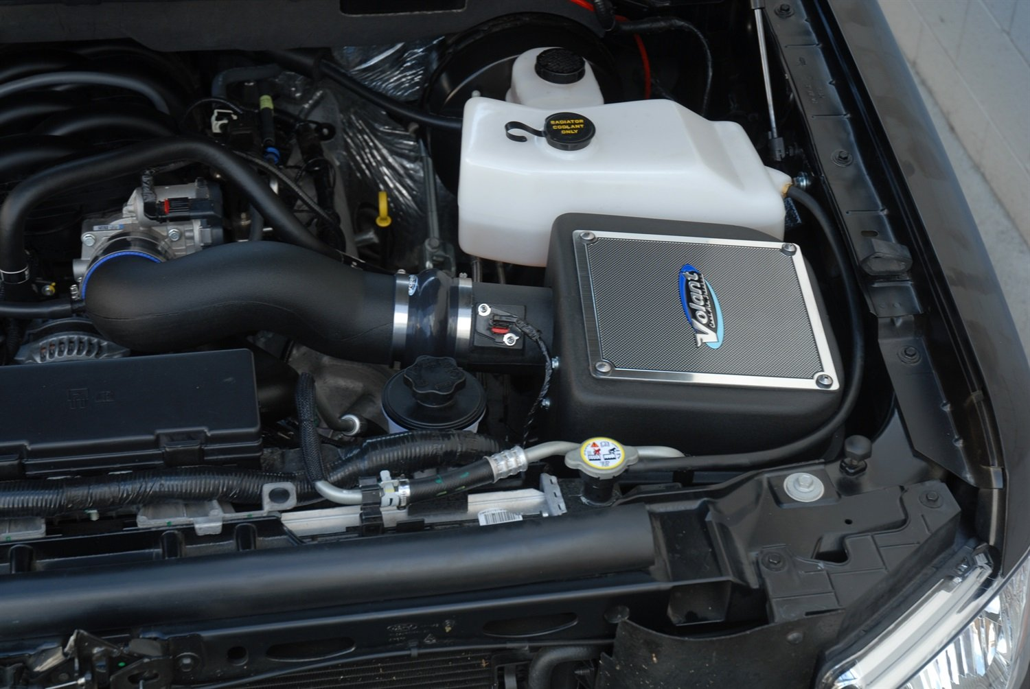 Volant 191466 PowerCore Cool Air Intake by Volant (Image #1)
