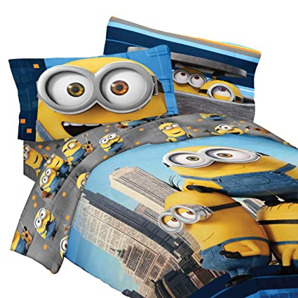 Minions Reversible Comforter Set, 5 Pc. Twin