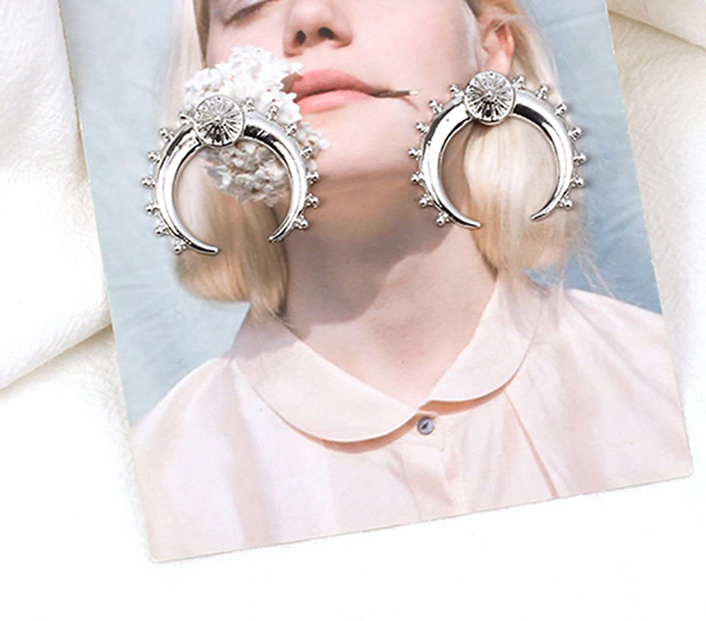Guyay Geometrical Exaggerated Punk Metal Moon Earrings Glossy Personalized Crescent Stud Earrings