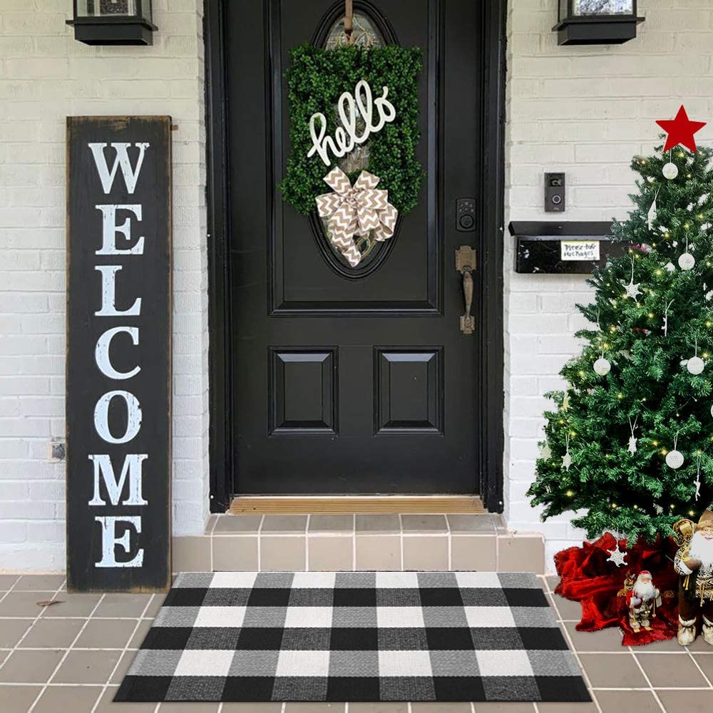 "LEEVAN Cotton Buffalo Plaid Rugs 24""x 35"" Checkered Gingham Rug Washable Woven Outdoor Porch Welcome Braided Door Mat for Layered Kitchen Farmhouse Bathroom Entryway Throw Carpet, Black and White"