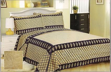 Amazon.com: The Chris Madden Luxplush Blanket with ...