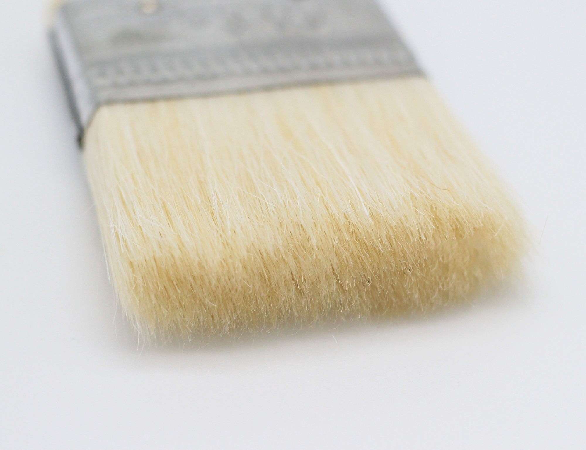 Fiomia Pastry Brush 3 High quality woolen bristle: thick and flexible, safe and eco-friendly, even pasting, beautiful texture, durable Full wooden handle: streamlined design and comfort grip, easy to hang and save space High efficiency: absorbent, save time and effort