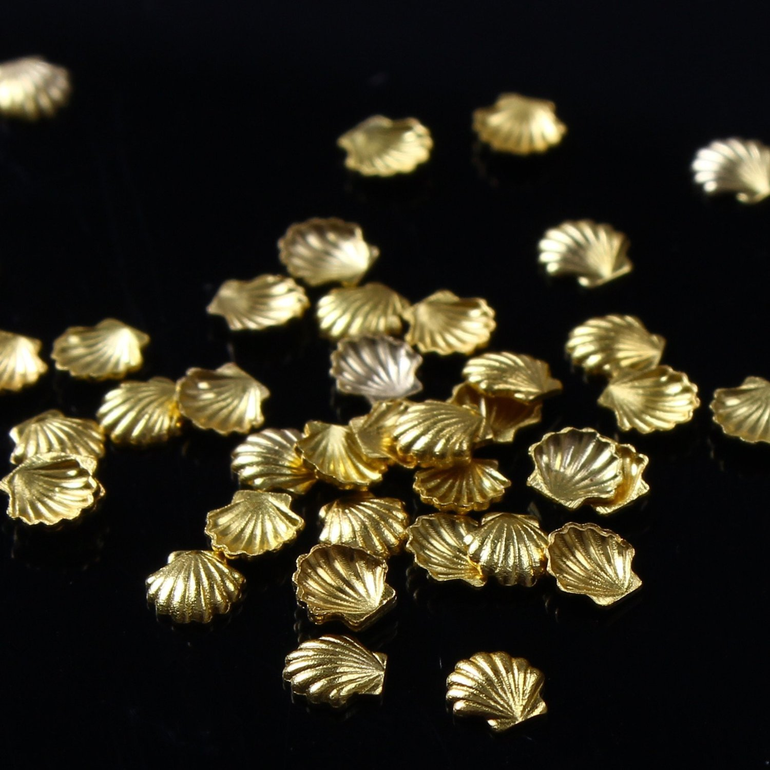So Beauty 100pcs New Metal Alloy Shell Design Studs Beads For Nail Art Cellphone DIY Decoration Craft Golden 3mm Forever Love