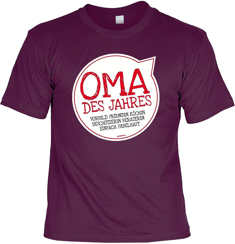 Oma/Sprüche/Spaß-Shirt/Fun-Shirt: Oma des Jahres Vorbild Freundin Köchin  Beschützerin Beraterin einfach fabelhaft: Amazon.de: Bekleidung