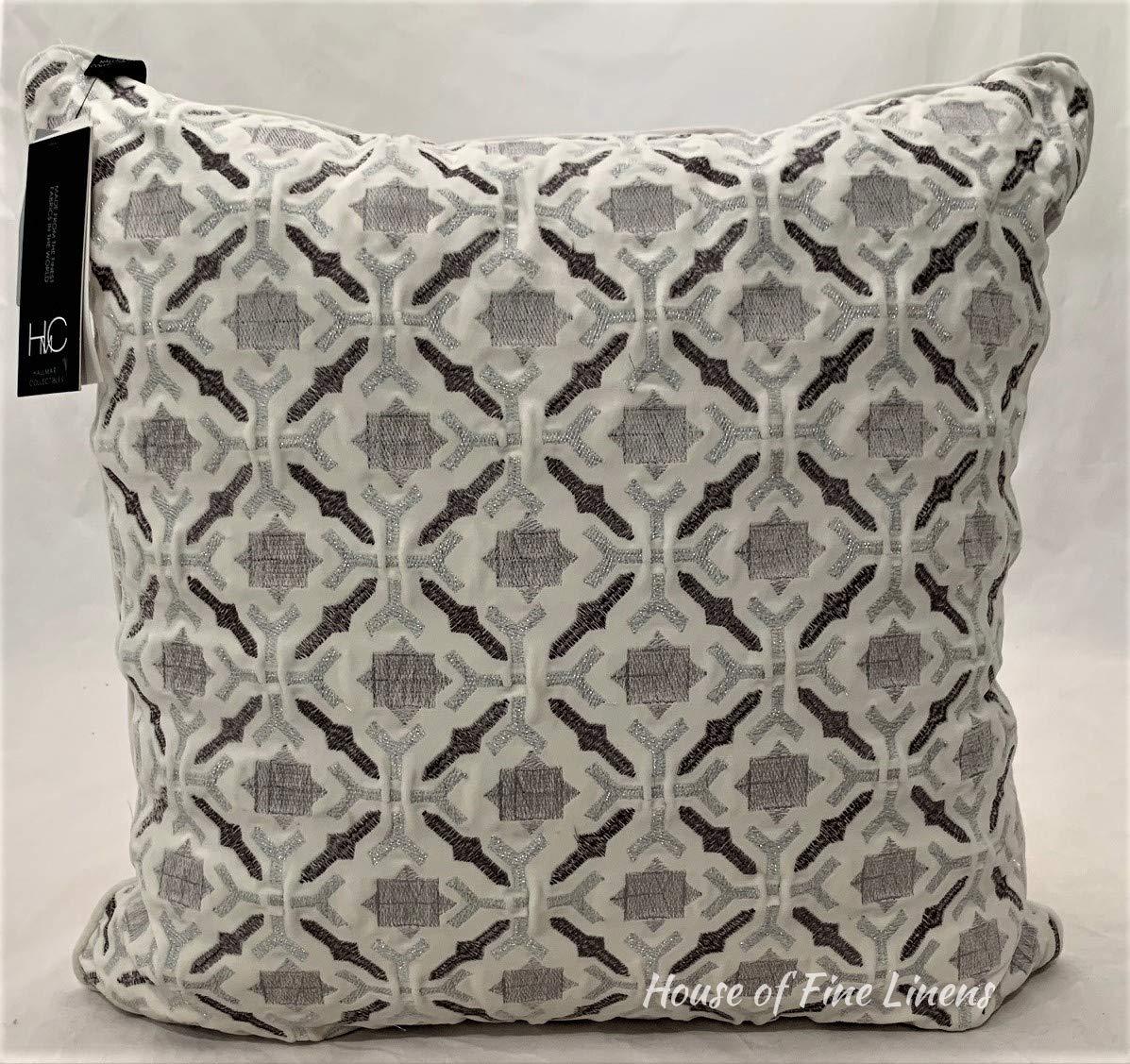 Hallmart Collectibles 20 x 20 刺繍 セルフパイピング 装飾枕 シルバー B07JHZHXXY