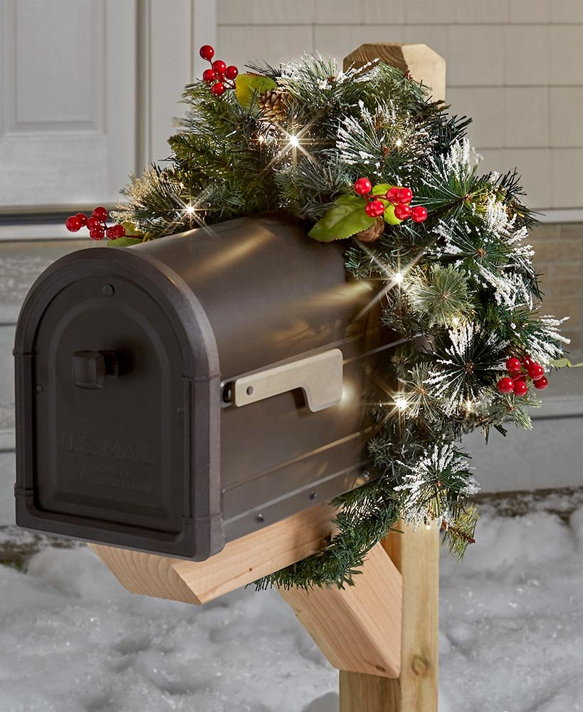 Lighted Mailbox Swag