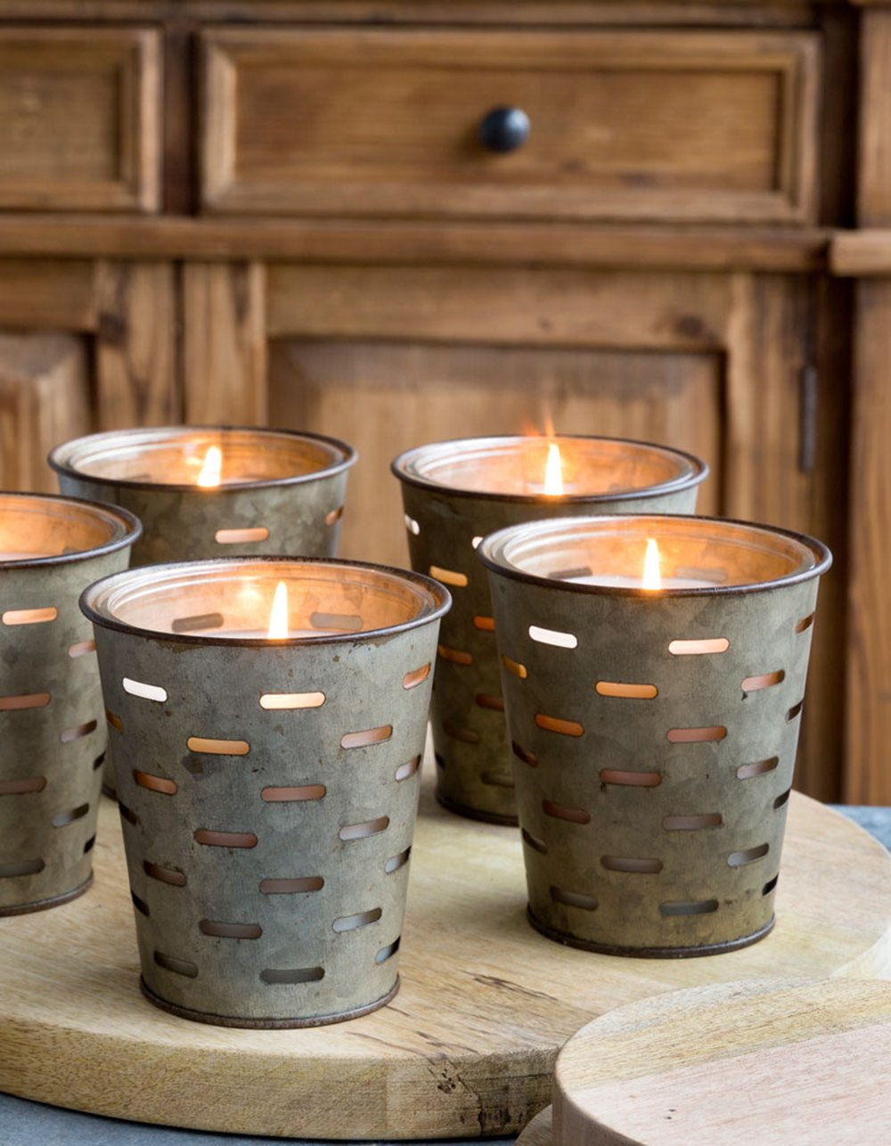 Olive bucket fragrance candle - Come on over to enjoy 5 Autumn Recipes With Apples + Simple Fall Decorating Tips on Hello Lovely!