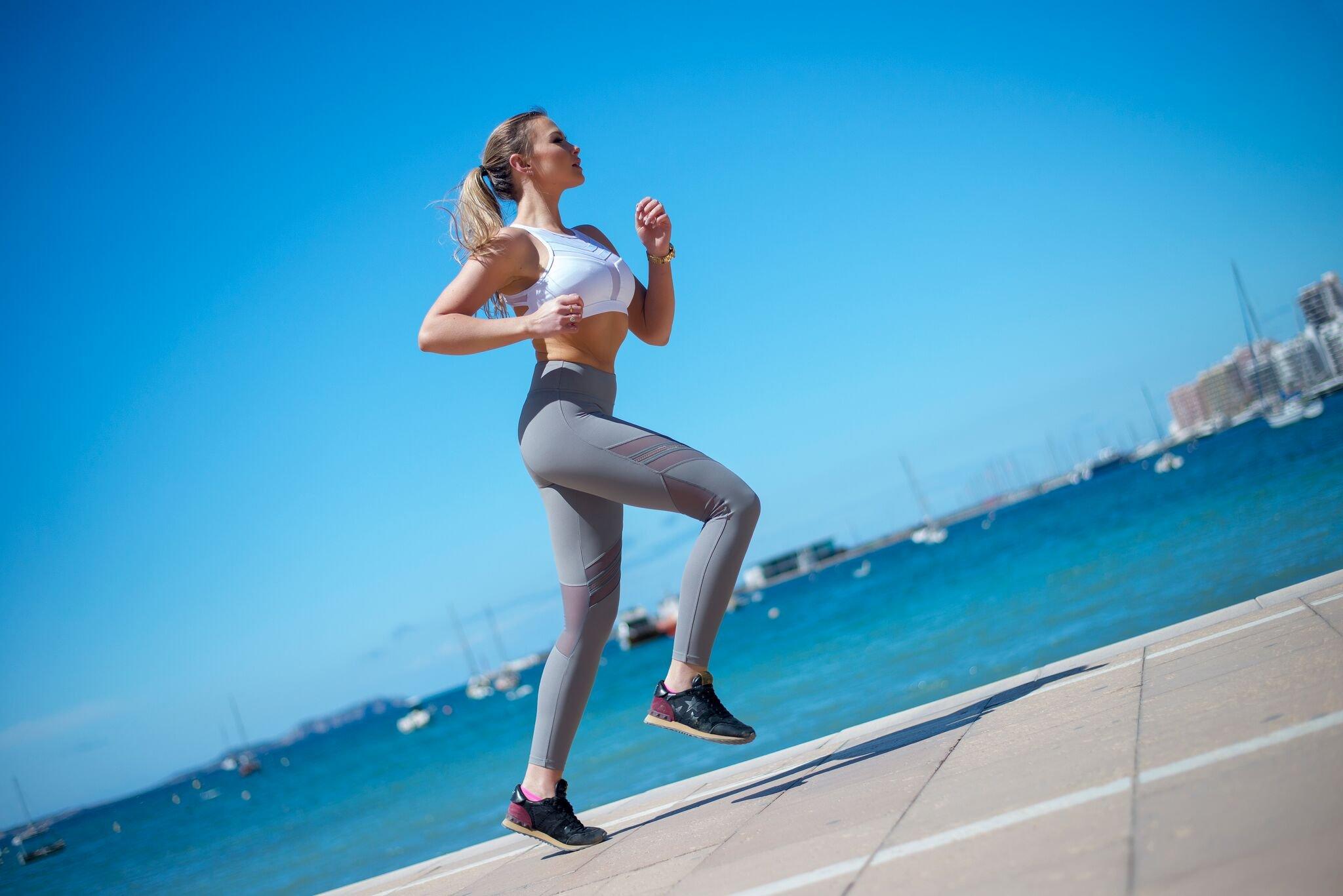 Light&Leaf Women's High Impact Padded Open Back Yoga Sports Bra Crop Tank Top by Light&Leaf (Image #5)