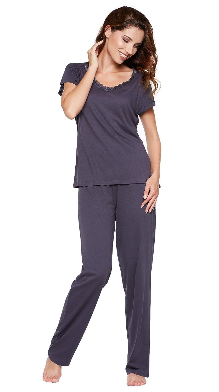 321090e3d2b3e1 Schwarz-modal. Rotbraun-uni. Quantity: Trendiger und gemütlicher Damen  Pyjama / Shorty / Capri Schlafanzug der Marke Moonline nightwear; Mit  weicher ...