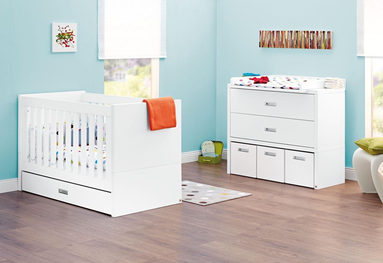 Pinolino Sparset Enzo breit, 2-teilig, Kinderbett (140 x 70 cm) und breite Wickelkommode mit Wickelaufsatz, weiß Edelmatt (Art.-Nr. 09 34 05 B)