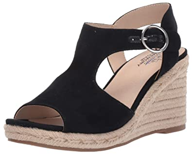 4b1b552fdd Amazon.com | LifeStride Women's, Tyra Wedge Sandals | Shoes