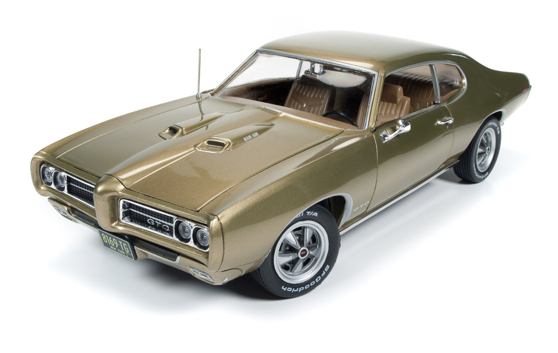 Pontiac 1969 GTO Hardtop Antique Gold Hemmings Muscle Magazine Limited Edition to 1002pc 1/18 by Autoworld AMM1081