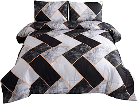 Triangle Geometric Print Abstract Quilted Coverlet /& Pillow Shams Set