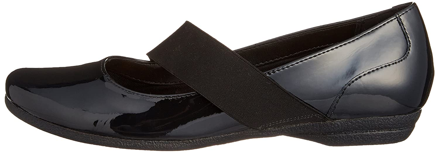 4d0223c1f Clarks Womens Discovery Ritz Black Patent Leather Smart Shoes   Amazon.co.uk  Shoes   Bags
