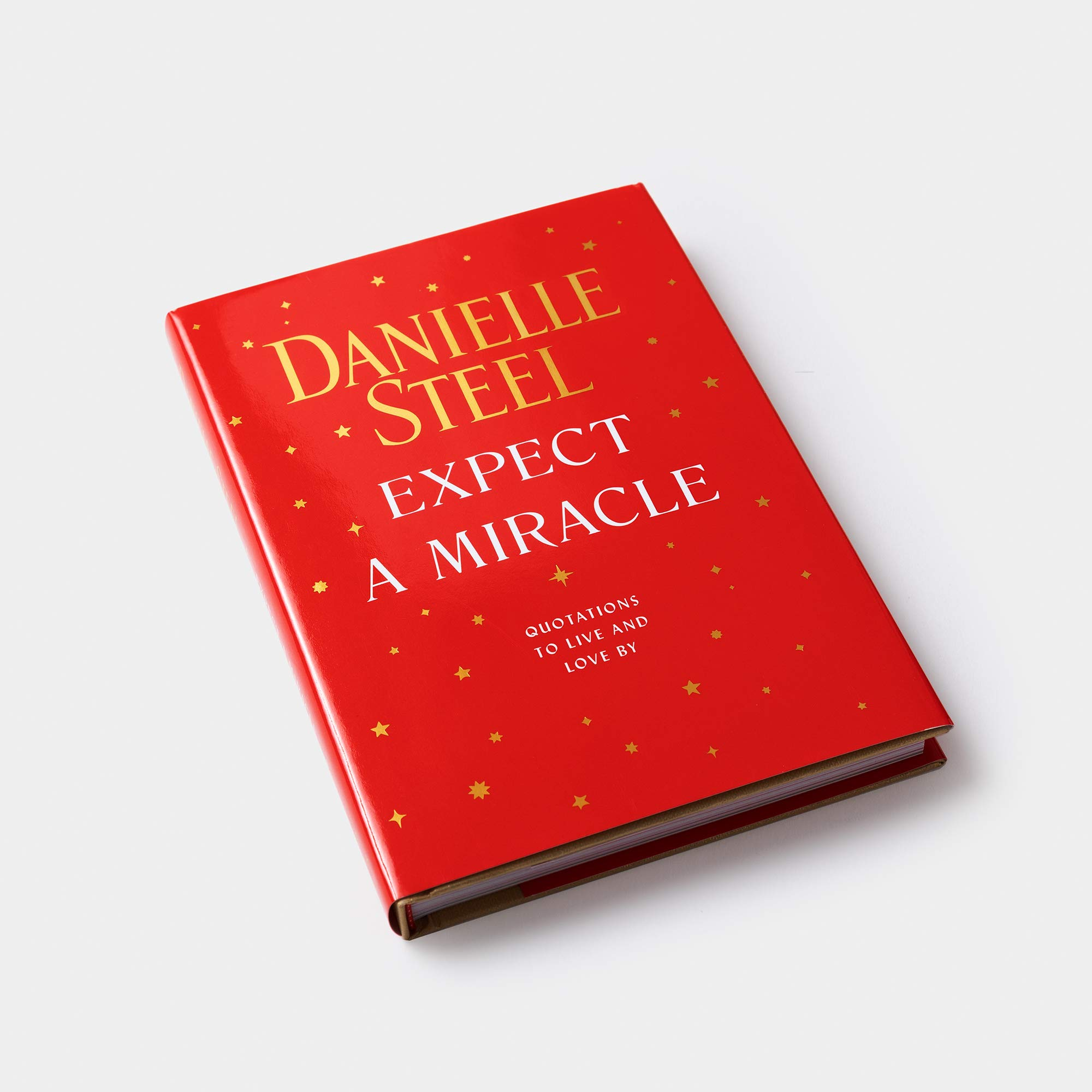 Expect a Miracle: Quotations to Live and Love By: Steel, Danielle: 9780593136584: Amazon.com: Books