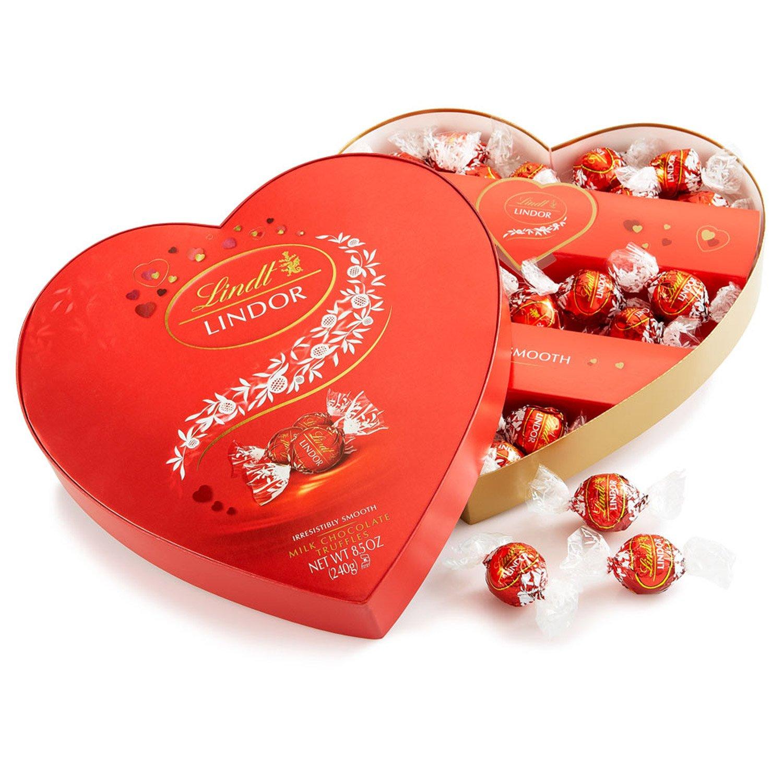 amazon com lindt lindor valentine truffles gift box milk heart