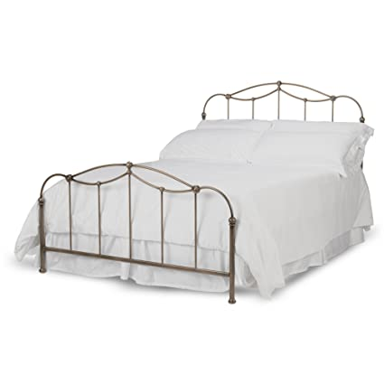 Amazon.com: Fashion Bed Group Kalina Complete Bed with Metal Spindle ...