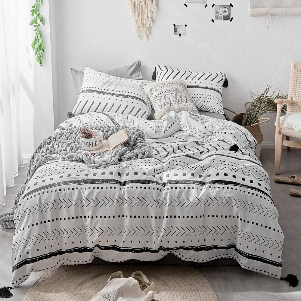 Amazon Com Vclife Cotton Queen Bedding Sets Duvet Cover Sets Modern Black White Arrow Herringbone Geometric Pattern Comforter Quilt Cover Queen 1 Duvet Cover 2 Pillowcases Hotel Quality Lightweight Durable Home Kitchen
