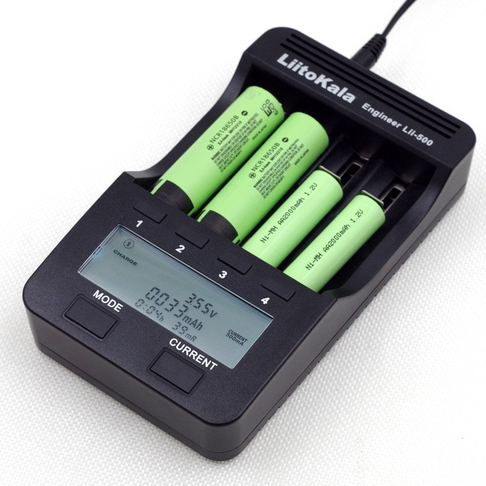 LiitoKala Lii-500 Battery charger for 18650 26650 AA AAA battery LCD display test the battery capacity