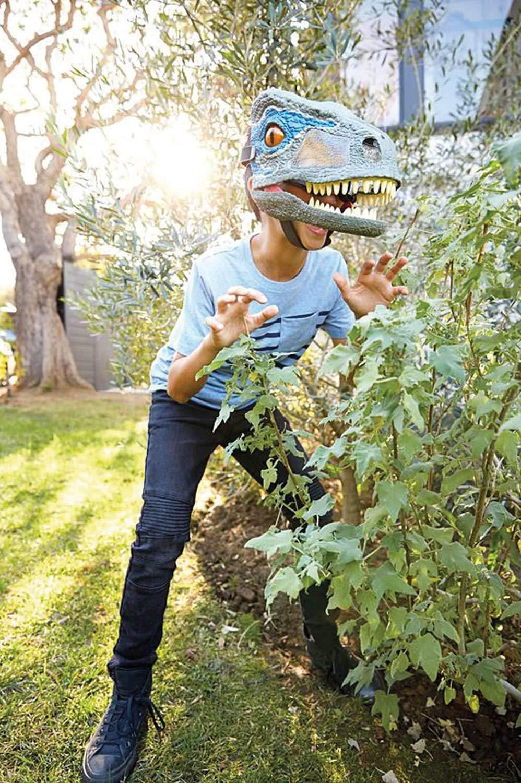 Jurassic World Chomp 'n Roar Mask Velociraptor ''blue'' by Jurassic World Toys (Image #6)