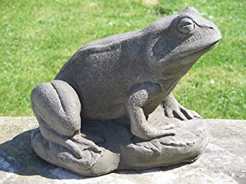 Dragonstone Frog Garden Statue