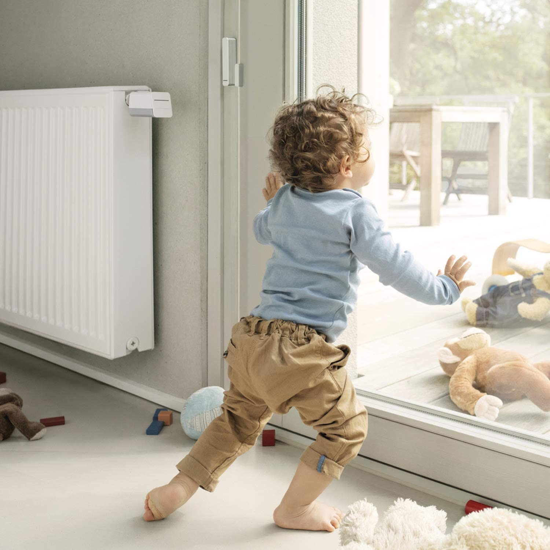 Centrale domotique avec 2 thermostats radiateurs connect/ées pour chauffage et 1 d/étecteur douverture Kit chauffage connect/é Bosch Smart Home