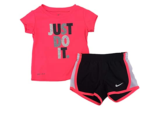 Nike Girl s Graphic-Print T-Shirt   Shorts 2 Piece Set (Black( 40b4d59bd