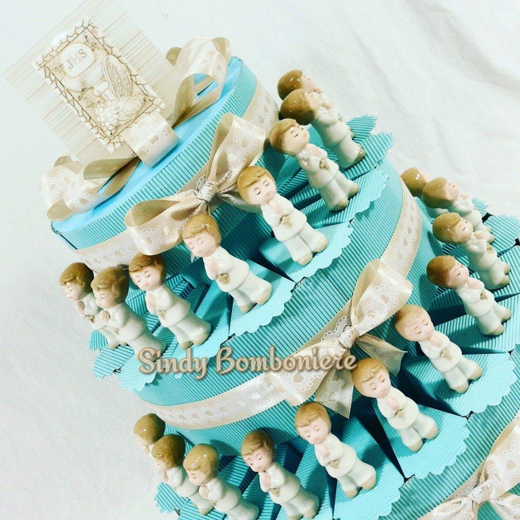 Bomboniere originale idee torte comunione BIMBO CARLO PIGNATELLI statuetta durante preghiera (Torta da 20 fette + centrale)