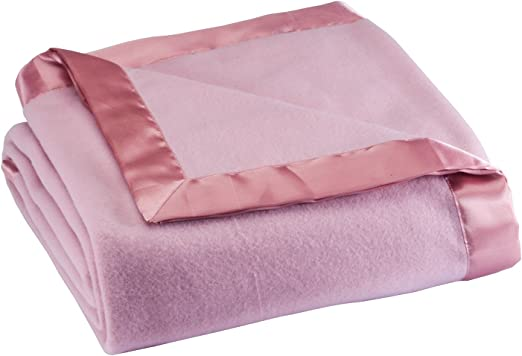Amazon Com Oakridge Satin Fleece Blanket Full Queen Twin Or