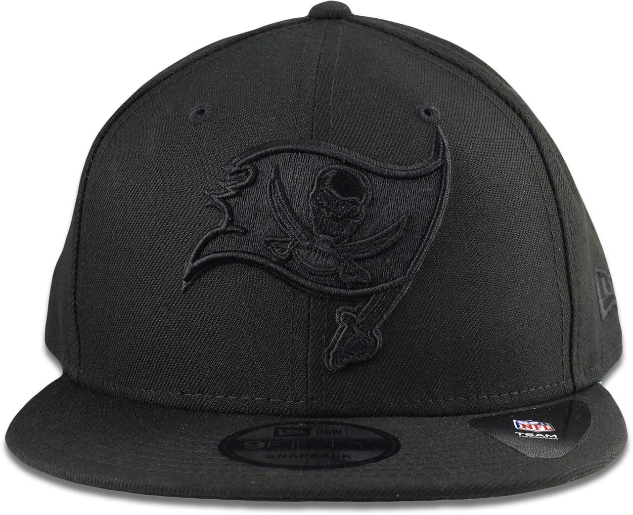 Amazon.com   New Era Tampa Bay Buccaneers Hat NFL Black on Black 9FIFTY  Snapback Adjustable Cap Adult One Size   Sports   Outdoors b81e016ddbb