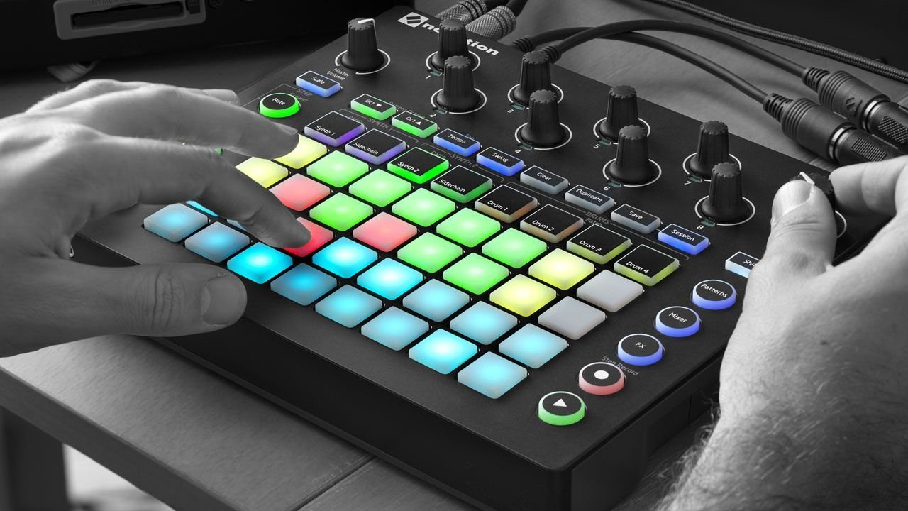 Novation Circuit Groove Box + Sample Import w/ 1/8'' MIDI Cable & Ableton by Novation (Image #6)