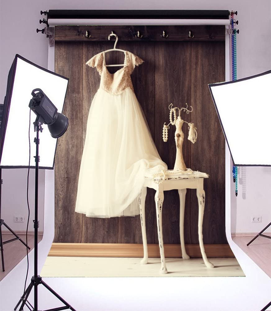 Bridal Shower Background 5x7ft White Wedding Dress Backdrop Pearl Necklace Peeled Old Chair Gloomy Retro Stripes Wood Board Romantic Dressing Room Photography Background Girls Lover Portrait