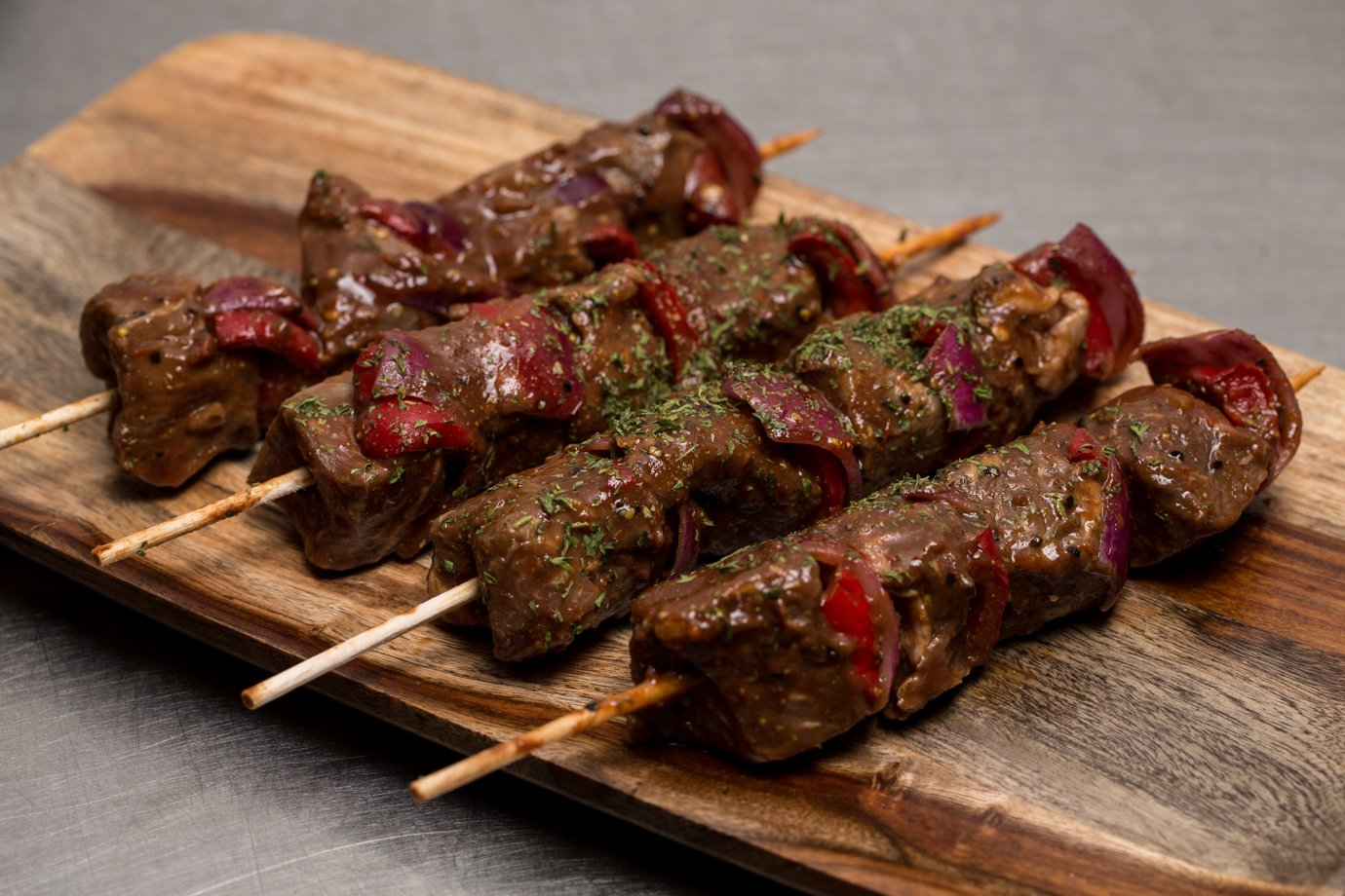 Amazon.com : Ceriello Fine Foods, Filet Mignon Kabob in Ceriello BBQ Sauce, 4 pieces, 26 oz : Grocery & Gourmet Food