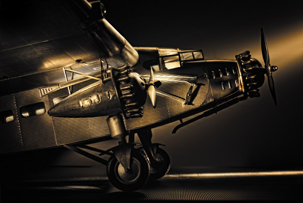 Authentic Models Trimotor Modellflugzeug - Ford Trimotor Models , authentische Flugzeugmodelle 0d16d6