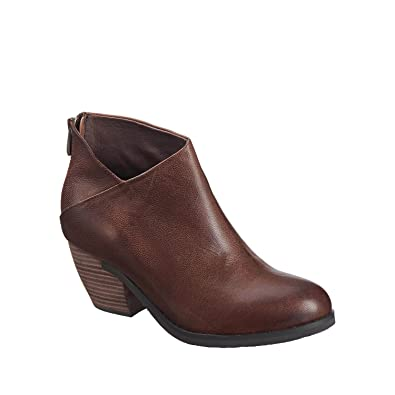 Women's 602 Leather Overlap V Bootie