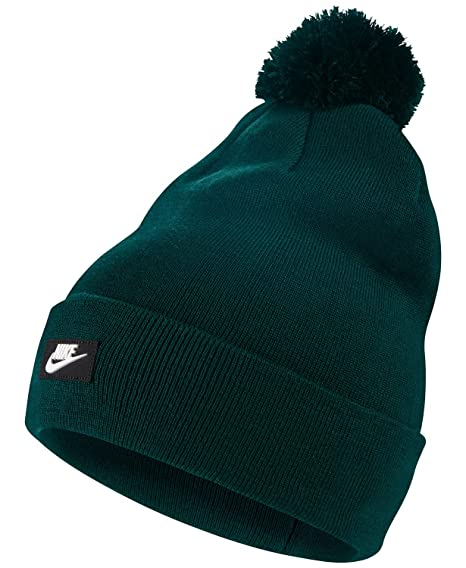 51ececdd Amazon.com: Nike Logo Pom Pom Beanie Hat Green O/S: Sports & Outdoors