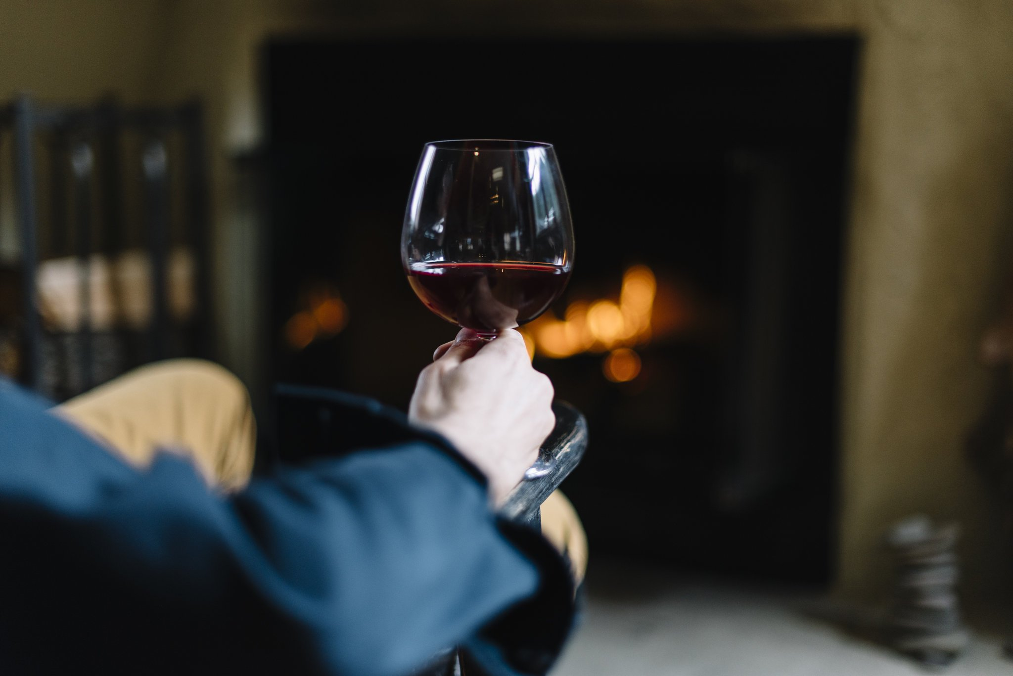 Unbreakable Red Wine/Pinot Noir glasses - 100% Tritan Dishwasher-safe, shatterproof plastic wine glasses - Smooth Rims -Set of 4 (22oz Stemmed Red) by TaZa