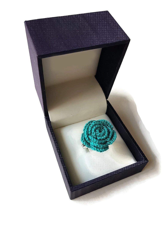 Anello a rosa verde smeraldo uncinetto regalo per lei compleanno fatto a mano fiore