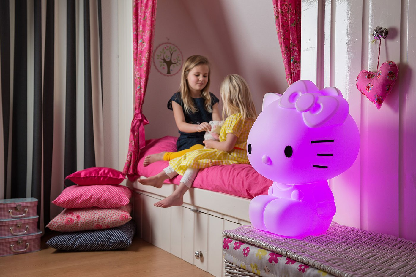 Energiesparende LED Hello Kitty – 16 Farben