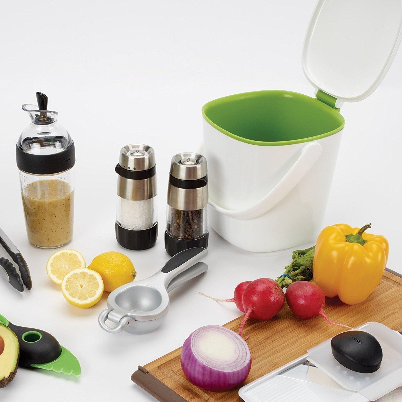 Amazon.com: OXO Good Grips Easy Clean Compost Bin, White: Home & Kitchen