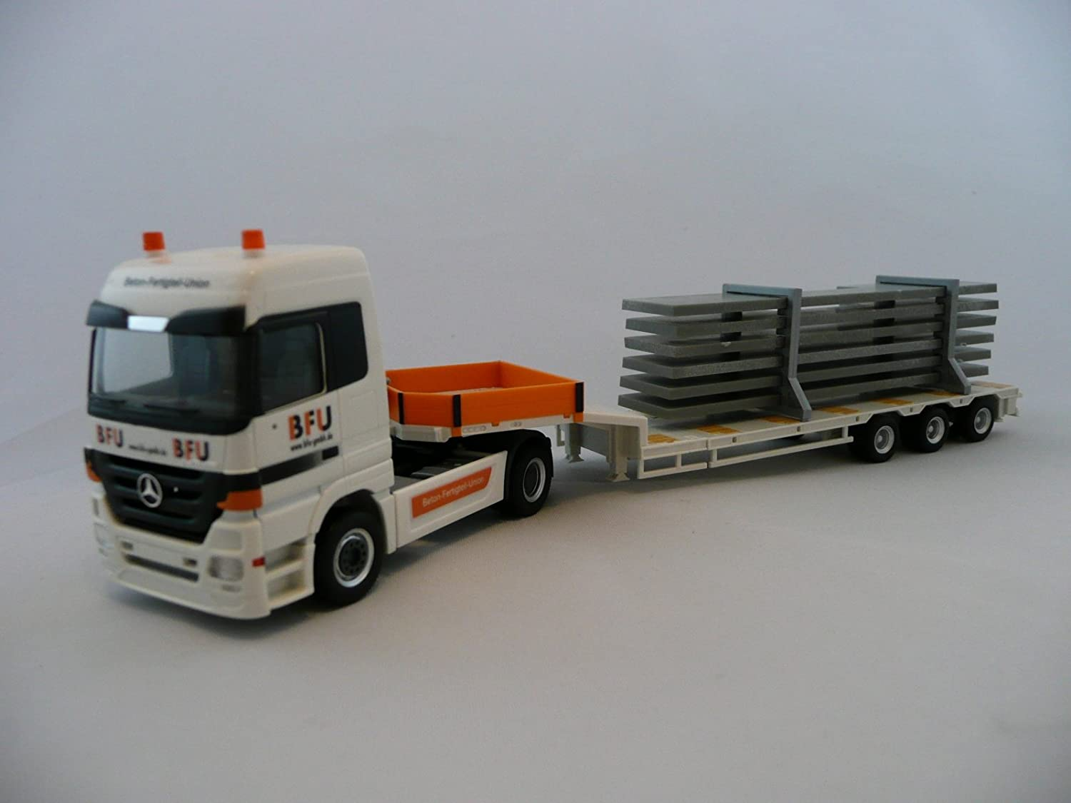 HERPA 158091 H0 Mercedes-Benz Actros LH low boy semitrailer with