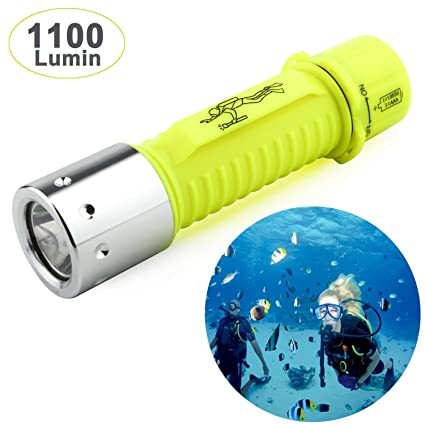 Zoomable XM-L2 Diving Flashlight Waterproof Rechargeable Built-in Battery Torch